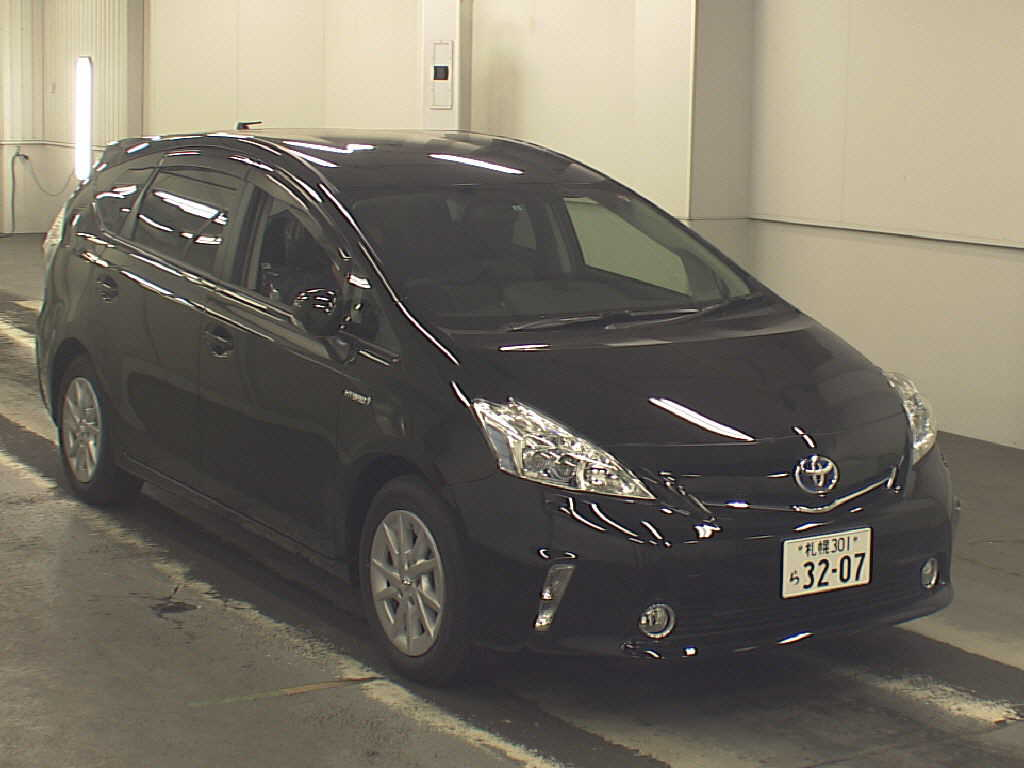 japan car auction finds toyota prius alpha g 2011 japanese car auctions integrity exports. Black Bedroom Furniture Sets. Home Design Ideas