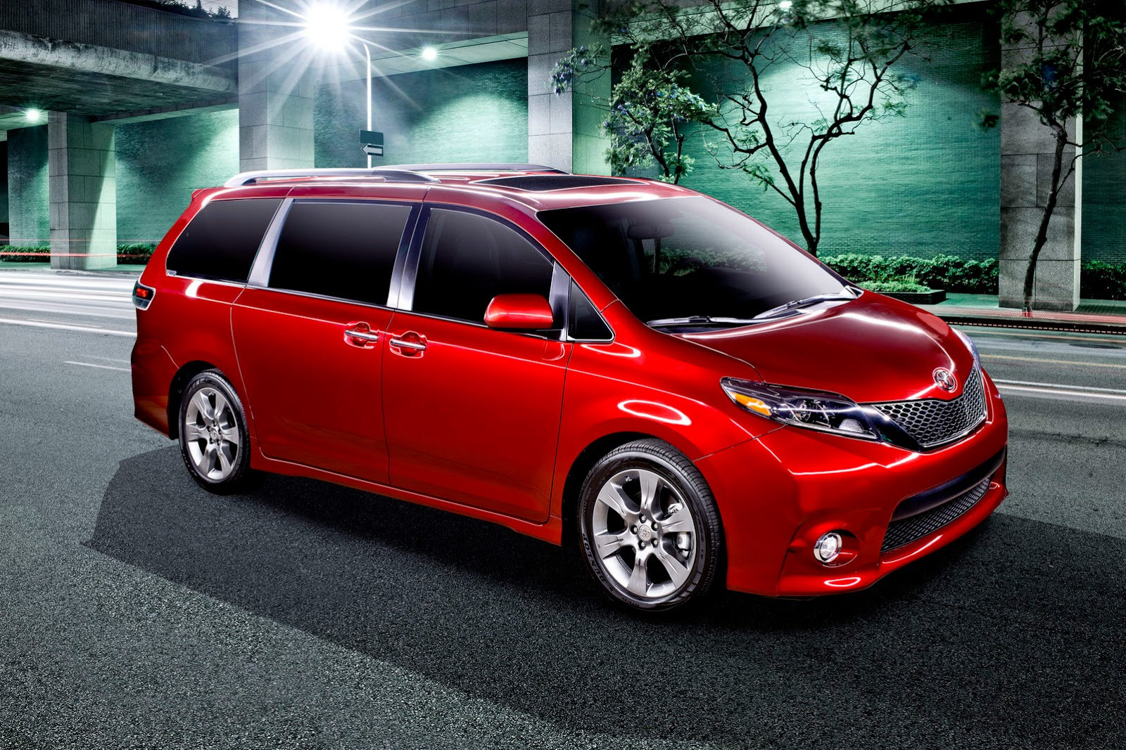 2015 Toyota Sienna Unveiled W Quirky Youtube Videos Japanese Car